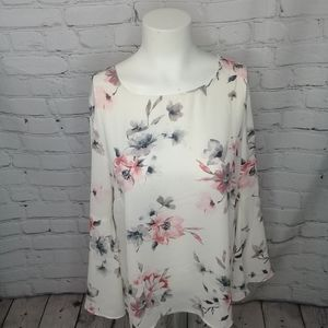 Rose+Olive floral print blouse w/bell sleeve Sz M